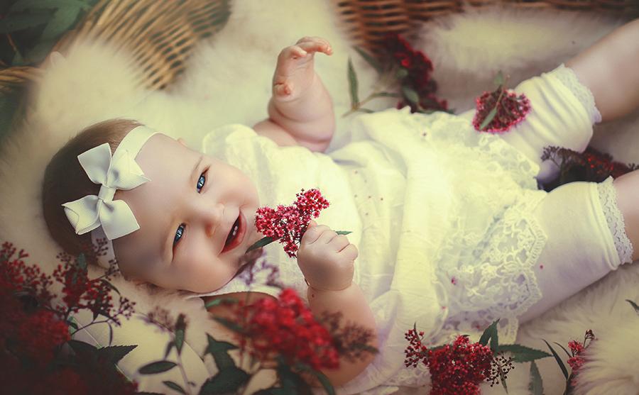 Newborn Fotografie in Augsburg bei Beautyshot-Hochzeitsfotografie